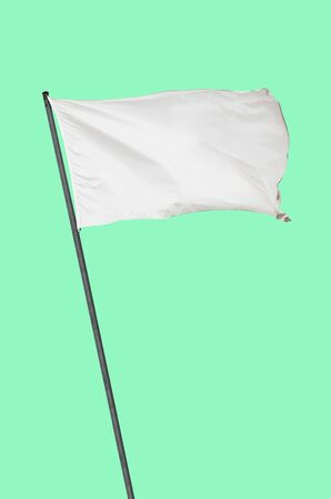 llanura: Bandera blanca sobre un fondo verde llanura Foto de archivo