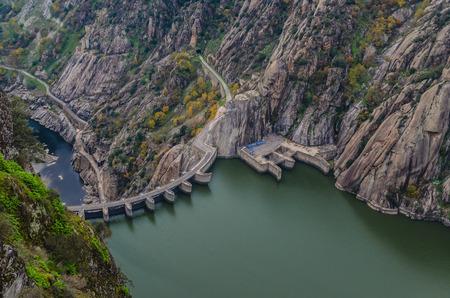 salamanca: Aldeadavila dam in Arribes del Duero natural park, Salamanca, Spain