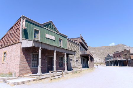 wild west street in a typical town. Film set in tabernas, almeria, spain Imagens - 117713095