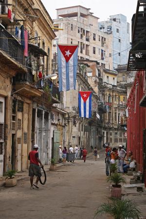 historic district: HAVANA, CUBA - FEBRUARY 23, 2010: Characteristic scene of the historic district of Havana on February 24, 2010 in Havana, Cuba, Caribbean Editorial
