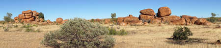 scenic highway: Devils Marbles, Stuart Highway, Northern Territory, Australia Stock Photo