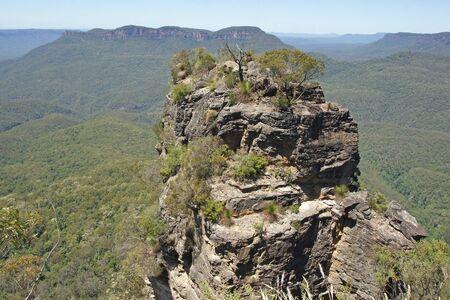 three sisters: Three Sisters, Blue Mountains National Park, Australia