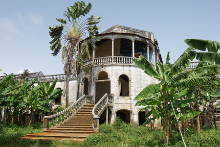 principe: Ruin of the hospital of Roca Agua Ize, Sao Tome, Africa Foto de archivo