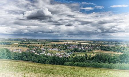 마을 Wiersdorf, Bitburg, 독일, 유럽에 가까운 Eifel 지역의 풍경을 통해 전경
