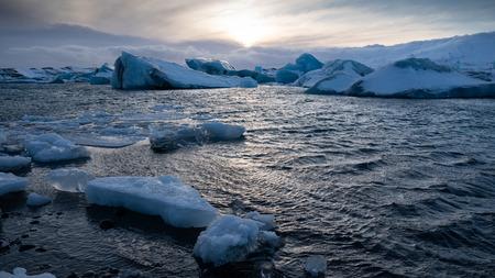 Sundown in the glacier lagoon of Joekulsarlon, winter in Iceland, Europe Imagens