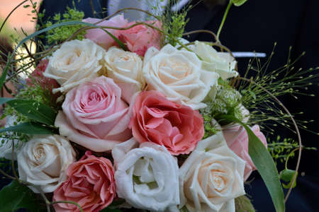 mothering: festive bouquet of roses of the couple - closeup