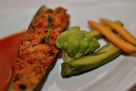 abatement: Stuffed zucchini with rice and vegetables