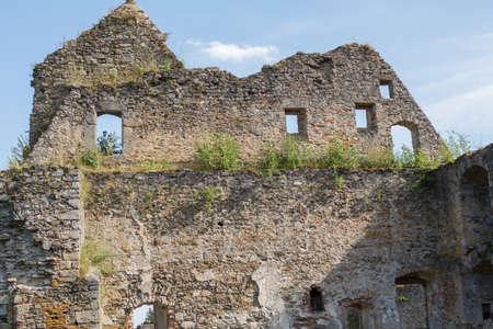 edad media: Fragmentos del castillo de Schaumburg de la Edad Media - Austria Foto de archivo