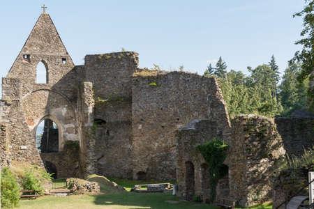 edad media: Castillo Schaumberg de la Edad Media - Austria