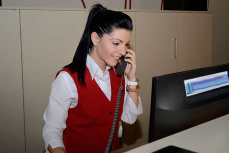 jobholder: Hotel assistant telephoned and completed booking on computer