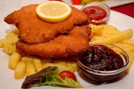 bleu: Delicious cordon bleu with fries on the plate