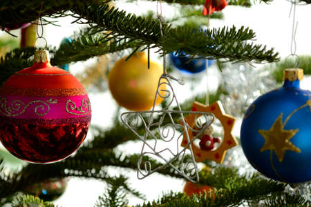 festively: Christmas baubles and other decorations for Christmas trees - close-up