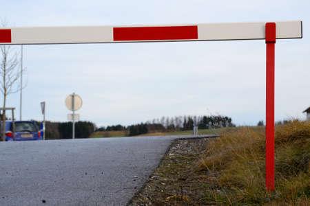 barrier: Closed barrier - Details