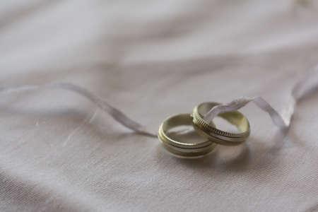 wedding reception decoration: Symbol rings as a wedding table decorations