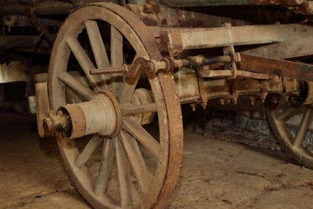 carretilla de mano: Detalle de un viejo vagón de escalera de madera
