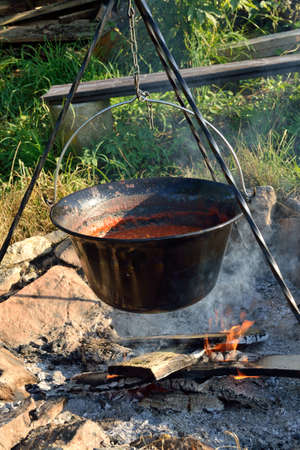 madhouse: In saucepan campfire cooked Chili con carne