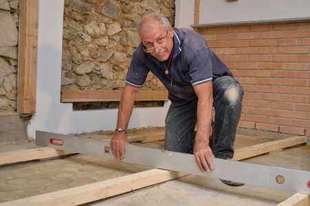 floor level: Craftsmen controlled Floor Pad with water level
