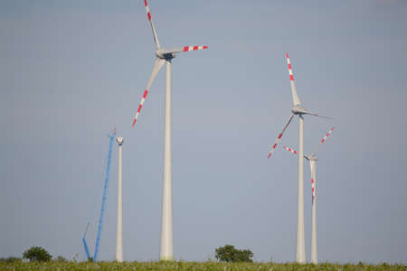 windfarms: use wind power with wind turbines