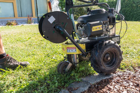 Laying cables as a boundary for robot lawn mowers