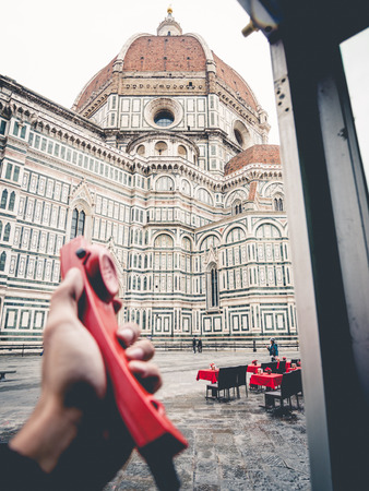 cabina telefonica: Italy Florence cathedral from red phone booth seen from inside
