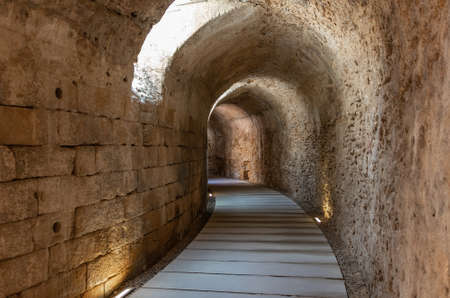 Gallery under the steps of the Roman Theater of Cádiz. It was discovered in 1980 during excavations. It is the second largest theater in Roman Hispania, surpassed only by Córdoba by a few meters Banque d'images