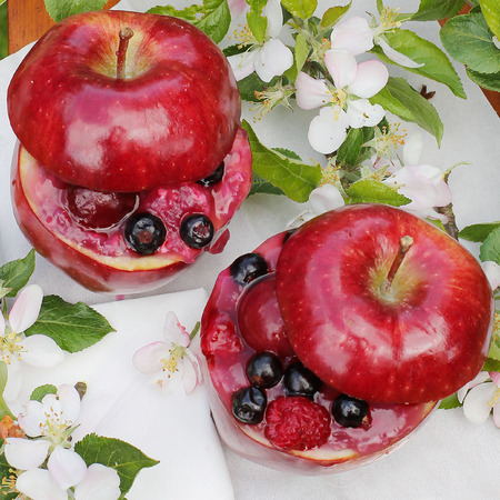 strew: dessert in the garden  Inside apple jelly with fruit