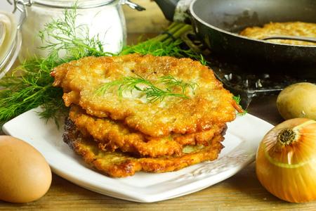 jewish cuisine: Homemade potato pancakes