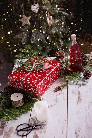 Christmas presents with handmade decoration Archivio Fotografico - 131496223