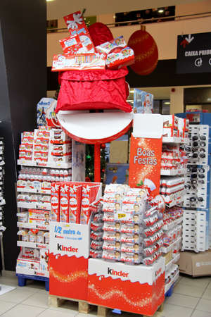 Monchique, Algarve, Portugal. Circa November 2013. Christmas Kinder egg display in supermarket 新聞圖片