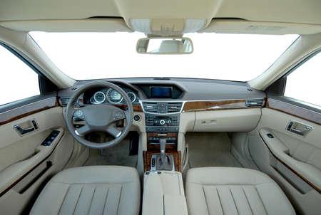 cinturón de seguridad: Interior de un coche moderno Foto de archivo