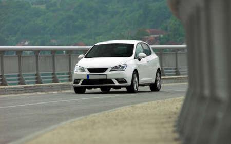 auto sul ponte