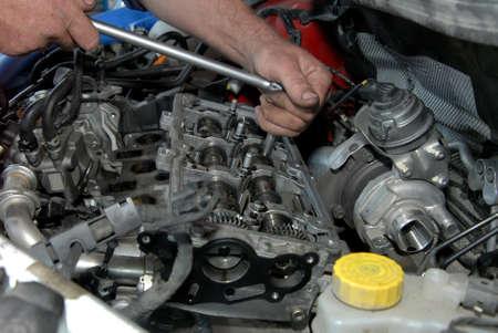 manos sucias: Herramienta de sujeción Reparador y mejora automóviles