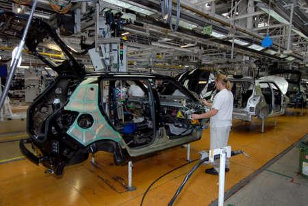 car production line Éditoriale
