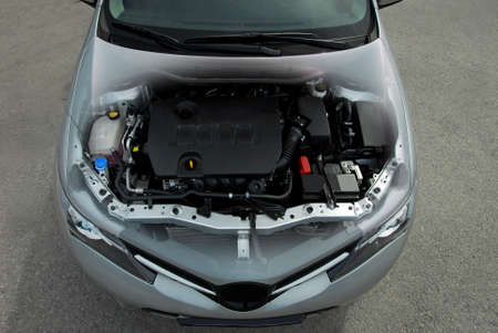 Transparent Auto-Motor Standard-Bild - 33935260