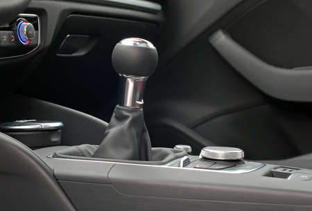 gear handle: manual gear shift handle