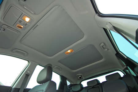 ventilate: car sunroof closed