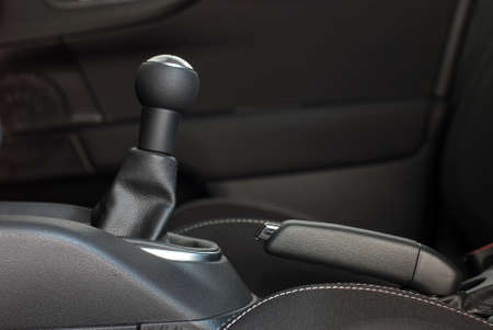 gearbox: manual gear shift handle and hand brake