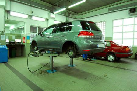 Auto in servizio automobilistico
