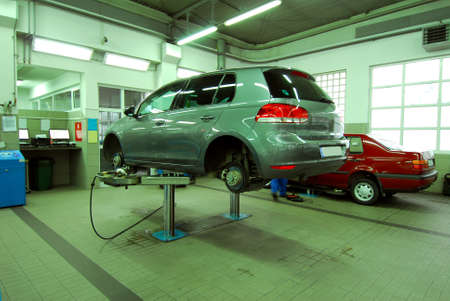 dealership: Cars in the automotive service