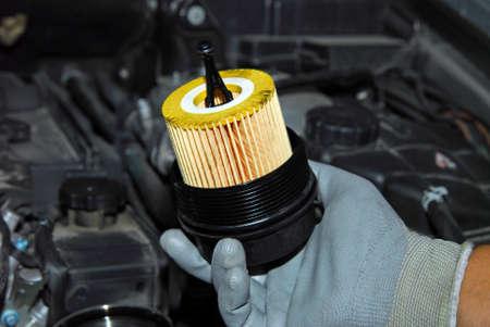 papel filtro: sustitución del filtro de aceite Foto de archivo