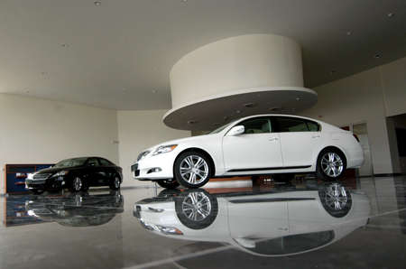 New luxury cars are in showroom Éditoriale