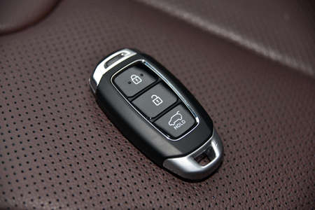 pop-up car key with remote central locking Stockfoto