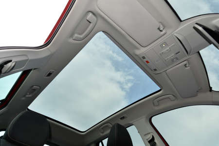Panoramic sunroof in a passenger car