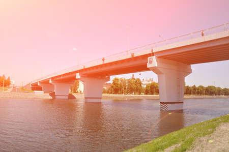 Reinforced concrete automobile bridge over the river. Pinsk, Republic of Belarus Banque d'images