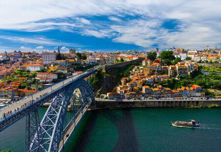Portugal Porto panorama, panoramic view of The Eiffel Bridge, Ponte Dom Luis, Bridge Ponti Di Don Luis, Douro river, Porto by the river, panoramic view of Porto city, old town of Porto, Porto in June 版權商用圖片