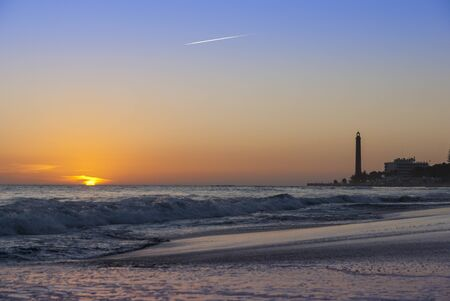 Lighthouse at Maspalomas Beach, Gran Canaria in the evening 免版税图像