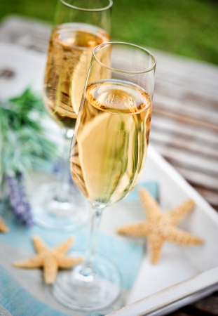 provencal: two glasses of champagne