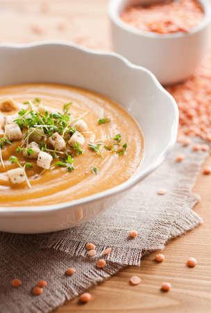 lenteja: sopa de lentejas rojas