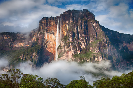 Closeup of the highest waterfall in the world - Angel Falls 스톡 콘텐츠