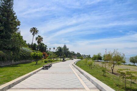 empedrado: calle peatonal pavimentado a lo largo del lago de Chapala